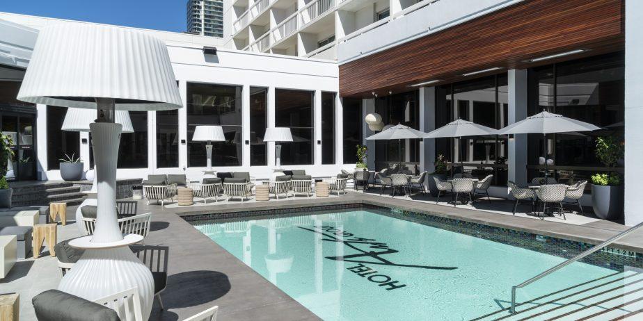 HotelArtsPool_033F